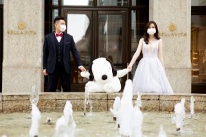 Guard your health and romance - Face mask pre-wedding shoot